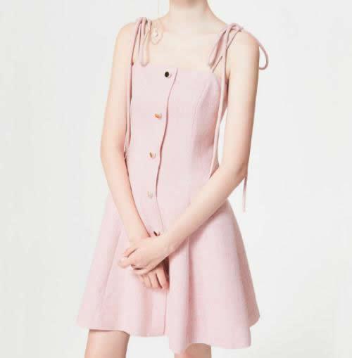 粉色穿搭清新又减龄:粉色衣服搭配图片欣赏
