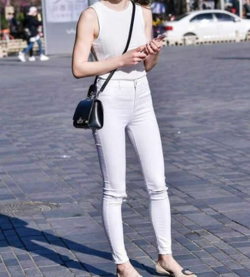微胖小姐姐时尚穿搭:时尚又优雅让人过目不忘