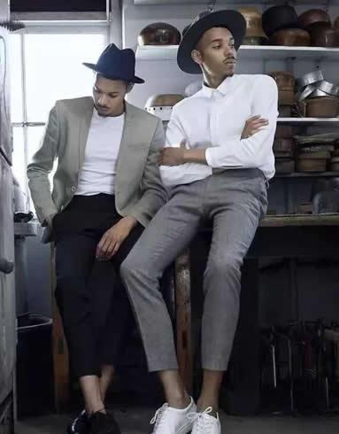 男士衬衣搭配什么好看,白色衬衫搭配灰色直筒裤
