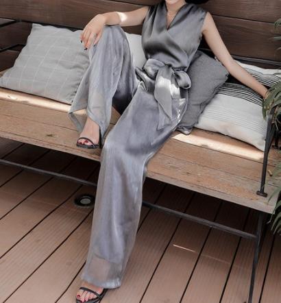 2019春季时尚连体裤服装:一件连体裤懒人的穿搭