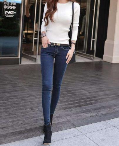 日常穿搭简单牛仔裤:凸显修长迷人美腿(图)