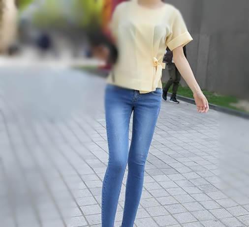 女士紧身裤图片:紧身裤不仅让女人高挑且气质高贵