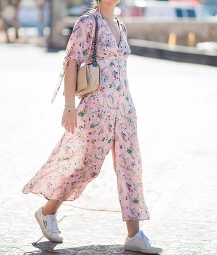 各种时尚V领穿衣:显瘦美爆了