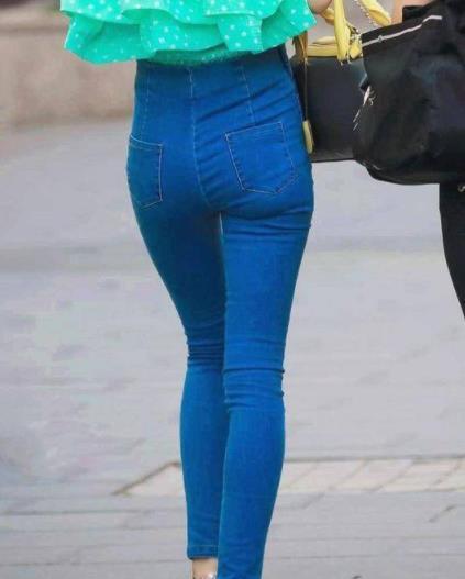 女人身材好就穿紧身裤:青春时尚有气质(图)