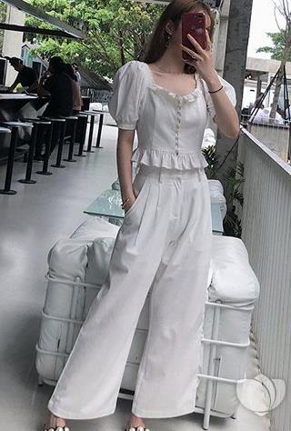 最2018流行的泡泡袖短上衣:几种泡泡袖短上衣搭配