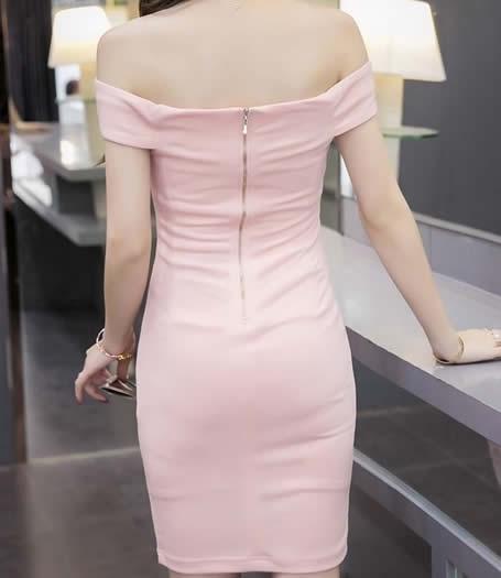 美女胸大穿什么裙子好看:大胸女生穿衣禁忌(图)