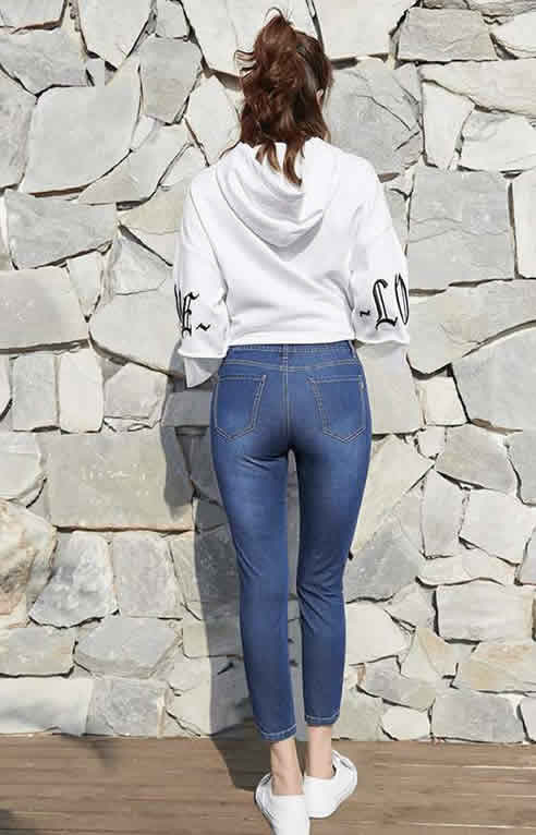 2018春季时髦紧身裤:漂亮女人洋气又高挑(图)