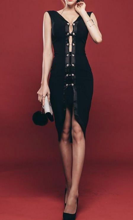 美女穿搭第4款包臀裙:优雅好看透着几分小性感