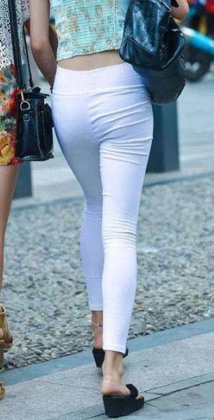 80后女人穿搭紧身裤最好看了:一道风景线(图)