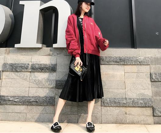 一款时尚的春装:潮流气质时尚修身有女人味