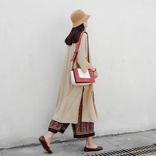 蕾丝小开衫搭配背心连衣裙:尽显知性美(图)