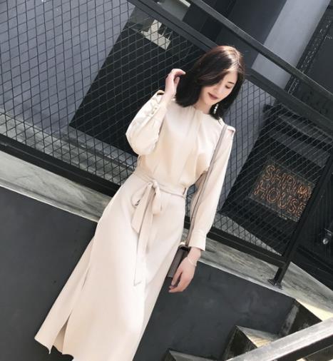 春日里约会 就穿性感又时尚的连衣裙(图)