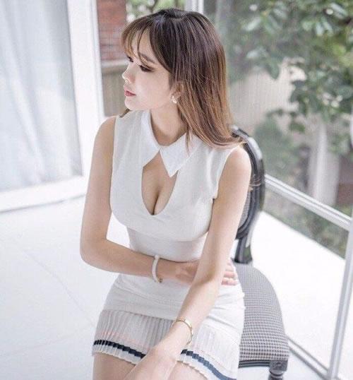 包臀裙搭配高跟鞋:美女高贵大方(图)