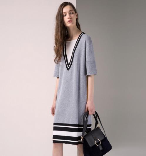 可爱又不失优雅的针织连衣裙搭配示范(图)