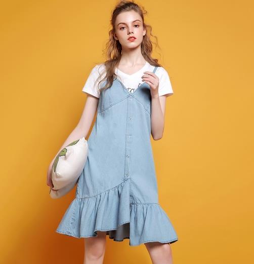 穿什么面料的裙子能达到减龄的效果呢(图)