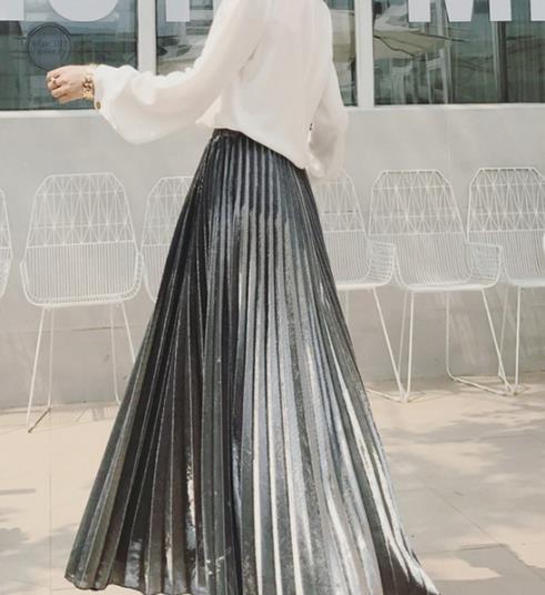 卫衣搭配百褶裙 实用凸显造型两不误(图)