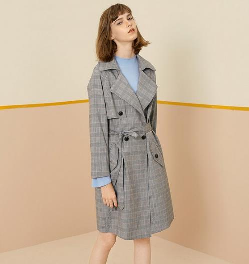 风衣两件套助你塑出优美身形 凸显最佳气质