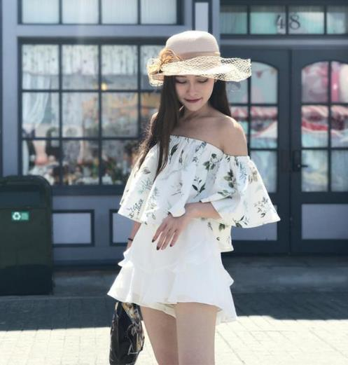 早春时髦优雅穿搭:露肩上衣搭配半身裙(图)