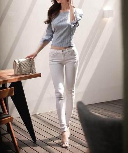 时尚帅气的白色紧身裤:秀出完美腿型(图)