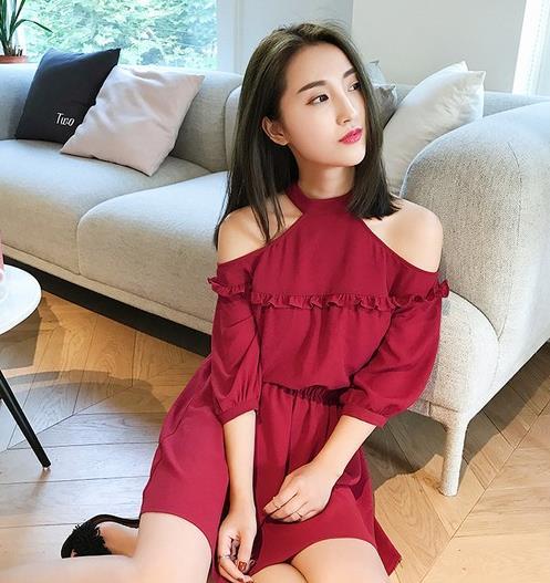 有一种美叫木耳边蕾丝连衣裙:优雅且浪漫