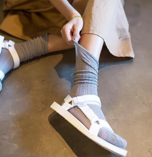 时尚又性感就穿新款镂空渔网堆堆袜(图)