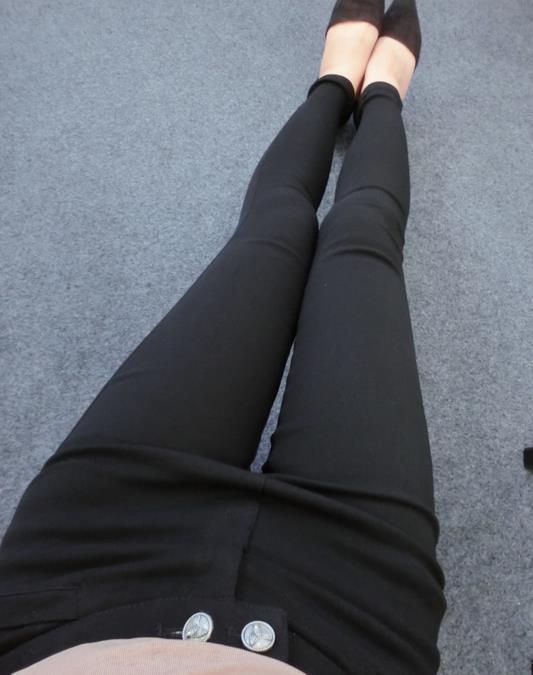 胖mm穿衣搭配技巧:让你更瘦更迷人(图)