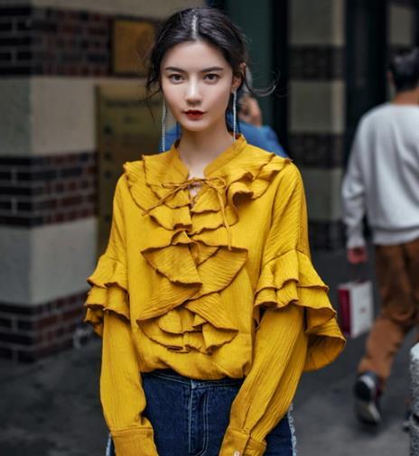 2018春季流行姜黄色穿搭 演绎最美国际范