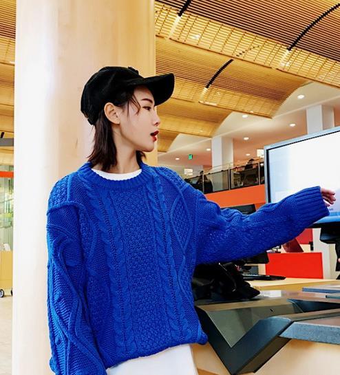 针织衫是春季最流行的时髦单品 让你又酷又美