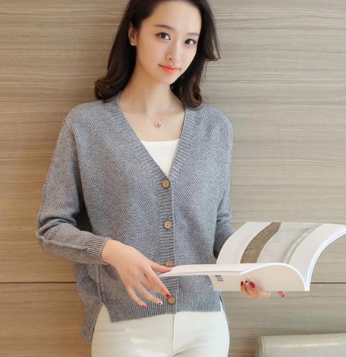 短款长袖毛衣的多种搭配:知性优雅又显瘦(图)