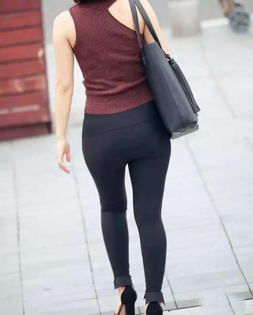 女人紧身裤时尚穿搭:做漂亮优雅迷人女人