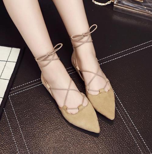 这几款时尚性感的凉鞋搭配 彰显知性优雅
