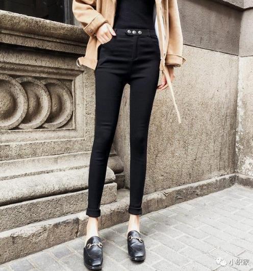 小腿粗穿什么裤子显瘦:修身小脚裤秀纤细大长腿