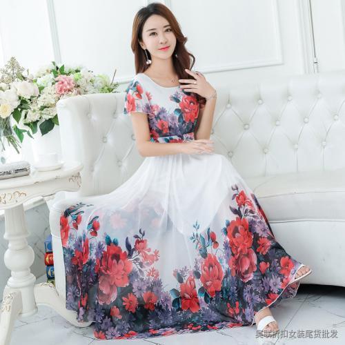 可爱花朵装饰雪纺连衣裙