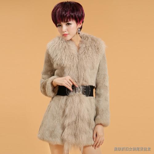 兔毛领羊毛呢外套
