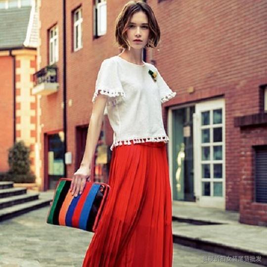 今年流行的女装 简约风情高档连衣裙品牌女装网